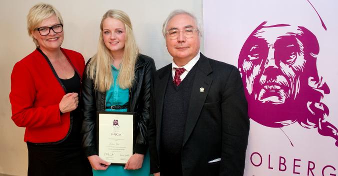 Malene Buene fra Vennesla videregående skole vant Holbergprisen i skolen 2012